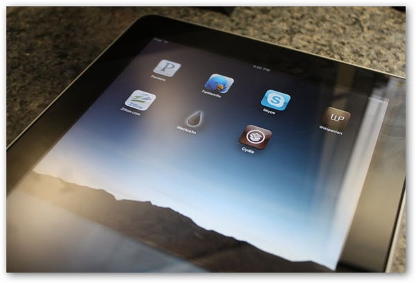 Apple iPad BlackRa1n Jailbreak With Cydia Installed